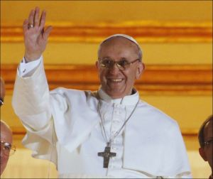 Pope-Francis-waving-crowd