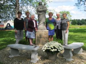 USY Statue